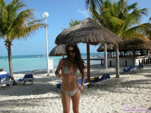Nikki at the beach in Cancun